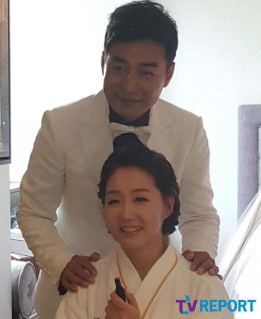 """""""아픔 끝, 새♥"""" 배동성·전진주, 친딸 축복 속 감동의 결혼식 _이미지"""