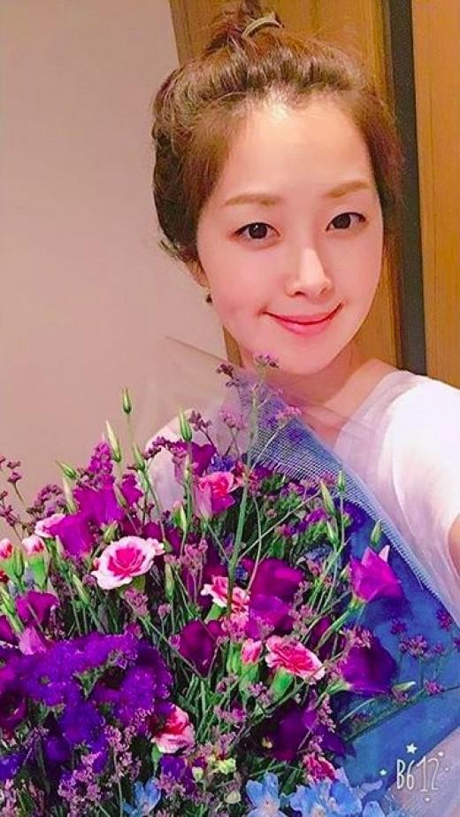 """""""여전한 청순여신""""…유민, 꽃보다 아름다워"""