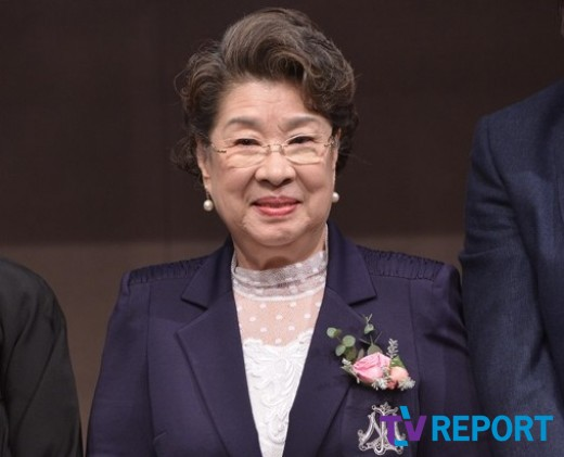 """엄앵란 """"김기덕 감독, 신성일과 내겐 인생의 은인"""""""