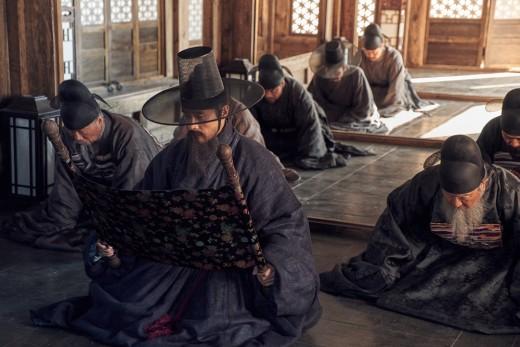 '남한산성' 콧수염 길이까지..병자호란 완벽하게 그렸다