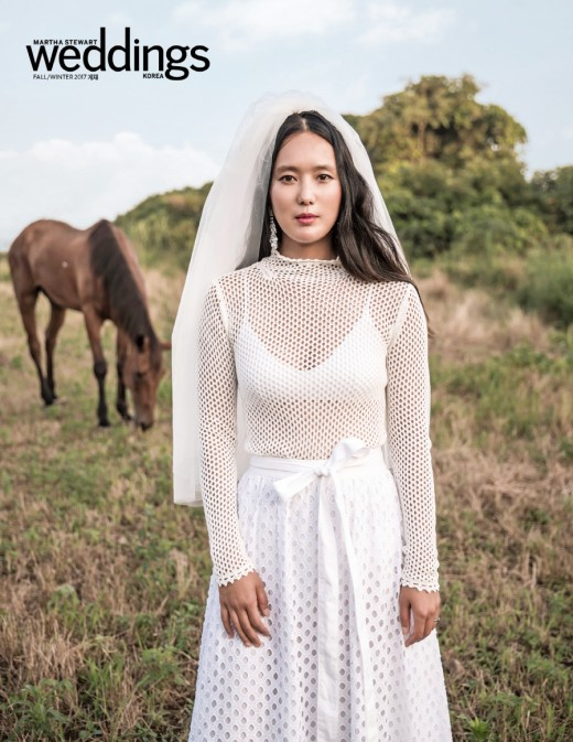 """윤진서, 웨딩 화보 공개 """"제주도 삶...스스로 의미 찾는 치열함 생겨""""_이미지"""