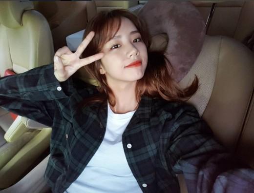 '류준열♥' 혜리, 열애 인정 후 근황 공개…여전히 예쁨_이미지
