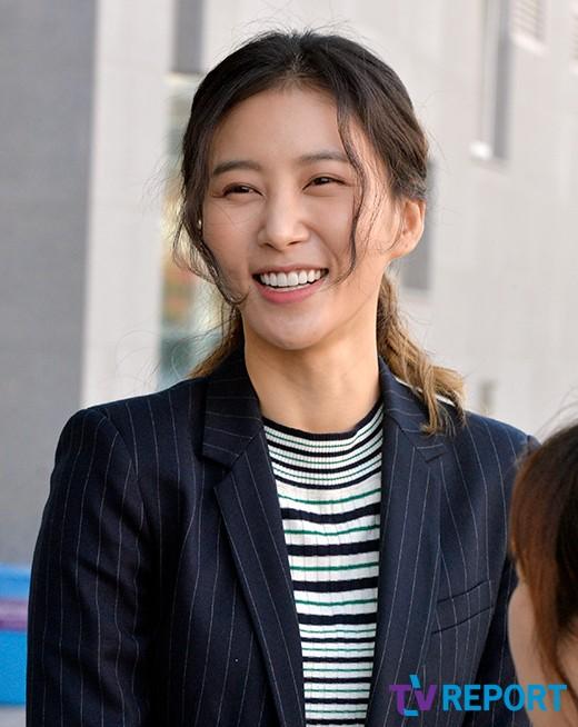 김정민 '밝은 미소로~'