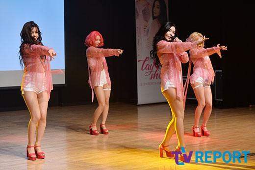 레이샤 '데뷔 무대에도 여유 넘쳐'