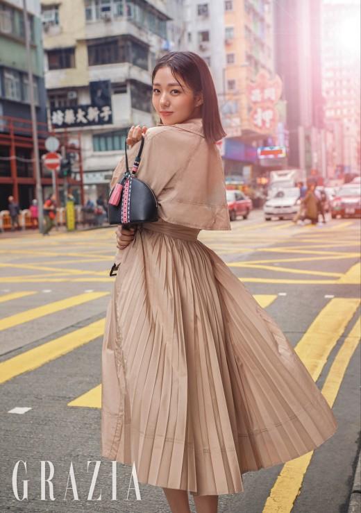 """""""홍콩의 여인"""" 채수빈, 로봇 벗으니 미모 폭발 _이미지2"""