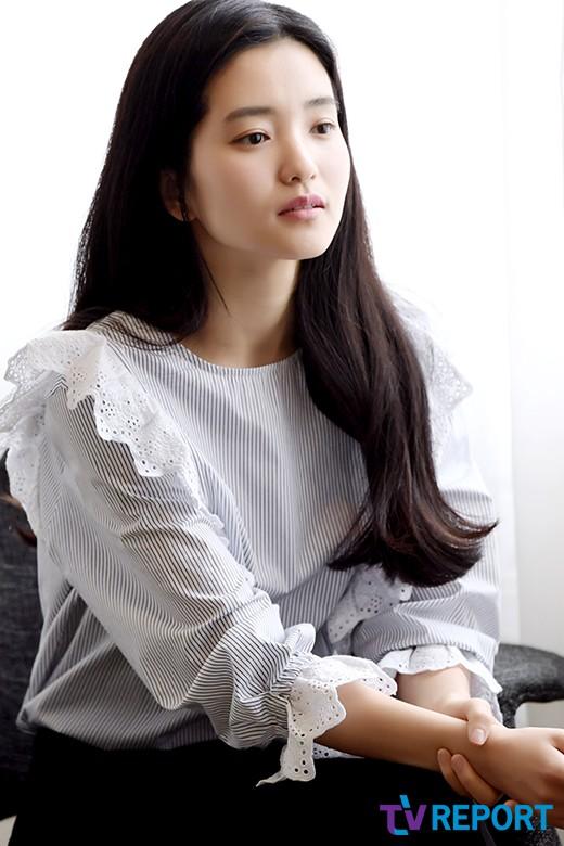 김태리 '청초미 가득, 묘한 끌림의 그녀'