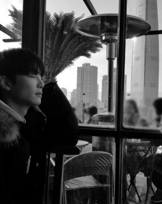 '리더의 품격'…뉴이스트 W 종현, 여유 가득 미소
