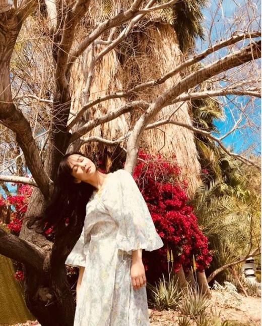 """""""봄이 왔어요""""…윤승아, 몽환적인 숲속의 여신_이미지2"""