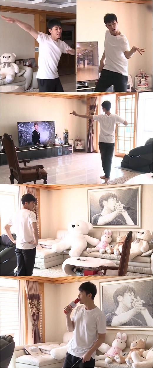 """'나혼자산다' 유노윤호, 열정남의 격정적 모닝 댄스 """"관중=인형"""""""