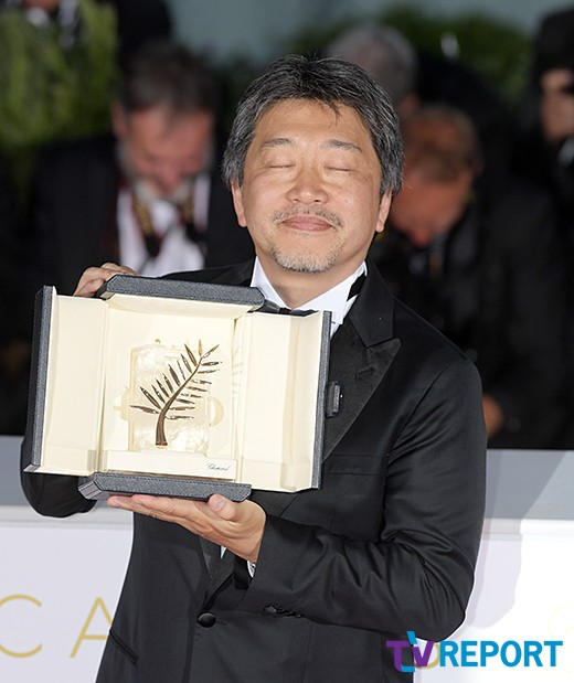 '황금종려상' 고레에다 히로카즈 '기쁨의 순간'