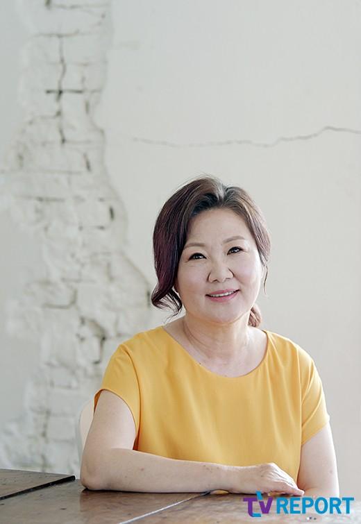 """'허스토리' 김해숙 """"어릴때부터 본 김희애…박수쳐주고 싶다"""""""