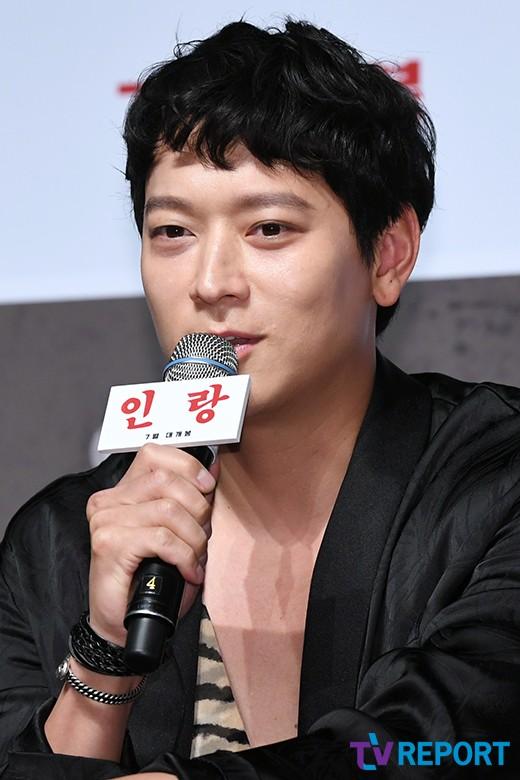 """'인랑' 강동원 """"40kg 갑옷 입고 육탄전"""""""