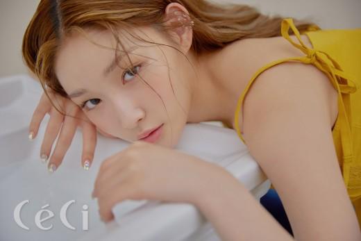 """청하 """"세정·미나·나영과 활동 재밌을 듯...아이오아이 시절 그리워"""""""