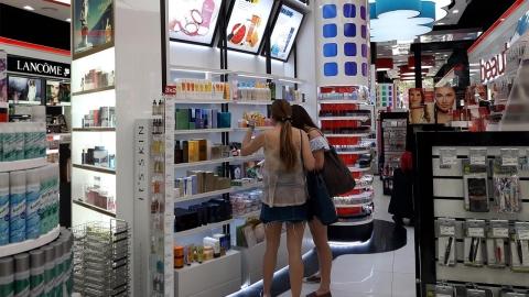 정열의 나라 스페인, 한국 화장품 인기