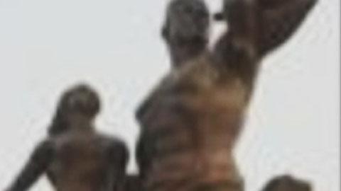 """""""북한 제작 조형물, 세네갈 천덕꾸러기 전락"""""""
