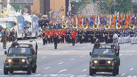 10년 만에 '국군의 날' 시가행진