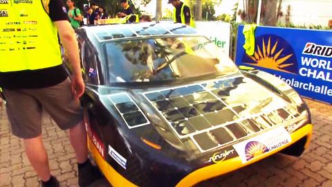 태양광 자동차로 3,000km 질주
