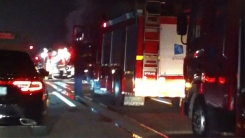 [제보영상]고속도로 택배차 화재...운전자 후송