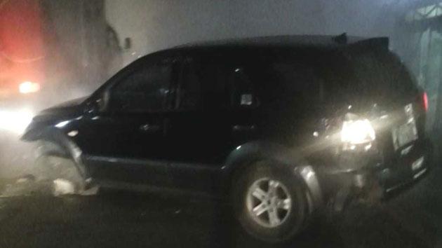 [제보영상] '아찔한 뺑소니' 반파된 차 끌고 줄행랑