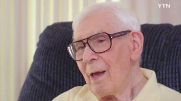 '트랜스지방' 퇴출 이끈 100세 과학자...'흑인 행세' 백인 운동가