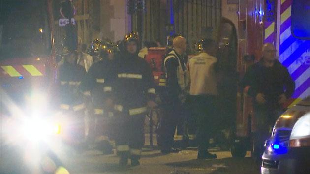 파리 연쇄 폭탄 테러 발생...프랑스 비상사태 선포