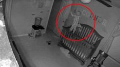 '엑소시스트 베이비'? 누리꾼 놀래킨 아기 사진의 진실