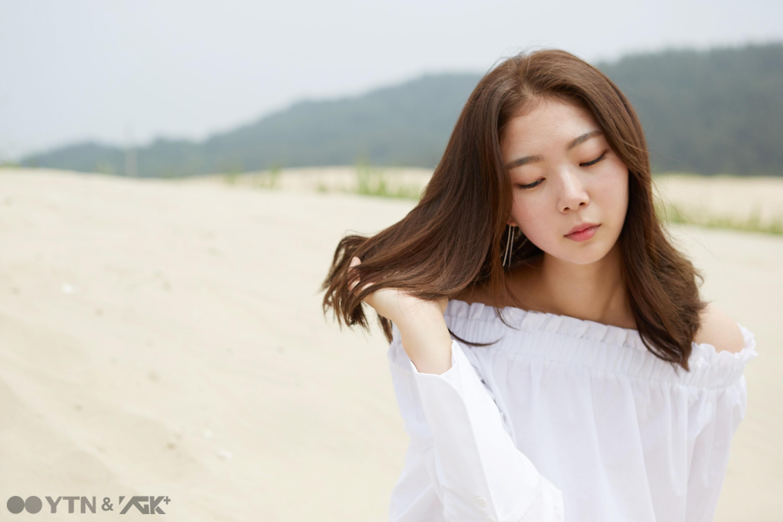 모델 김예림 '니가 예뻐서' 출간 기념 사인회 개최