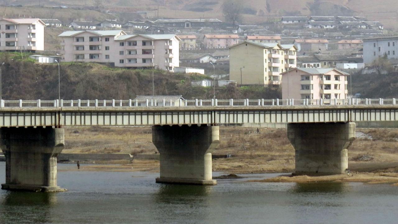 """""""北 만포-中 지안 잇는 다리 완공...경제협력 속도"""""""