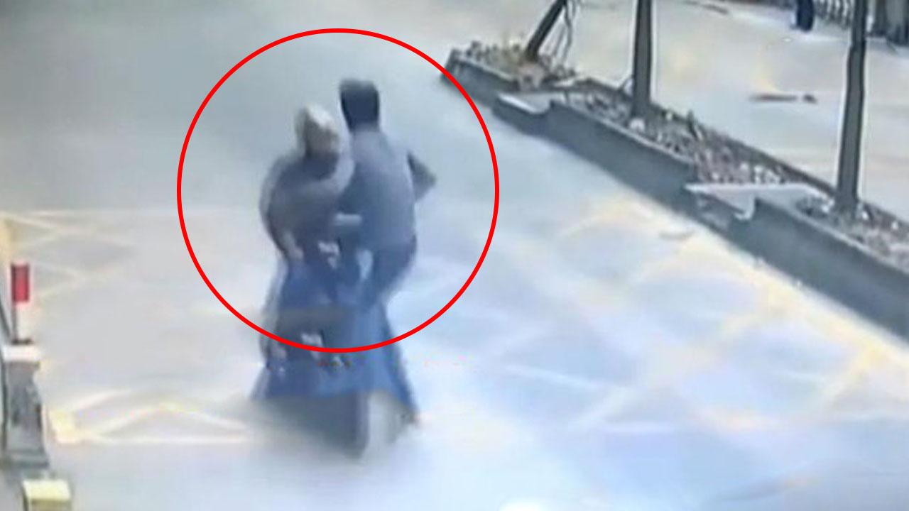 '실제상황' 오토바이 탄 도둑 영화처럼 제압한 남성