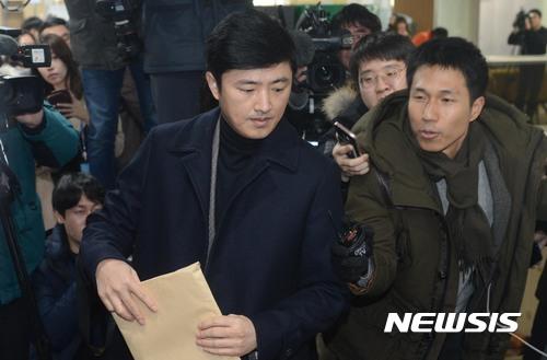 '최순실 첫 대면' 고영태, 증인 출석서 보인 태도
