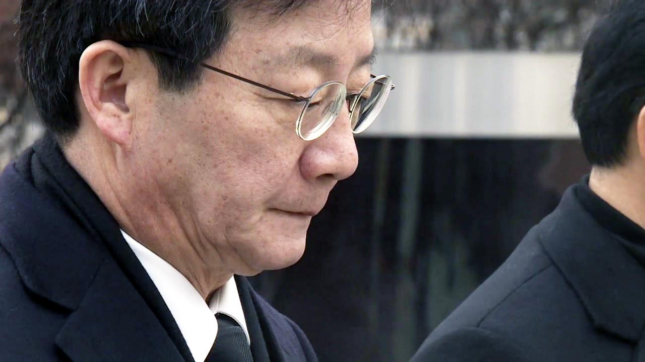 """유승민, 참배 정치로 통합 행보...남경필 """"대연정은 새 정치"""""""