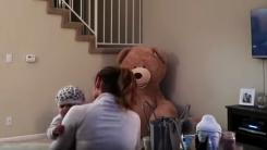 움직이는 '공포의 테디베어'를 본 엄마의 반응