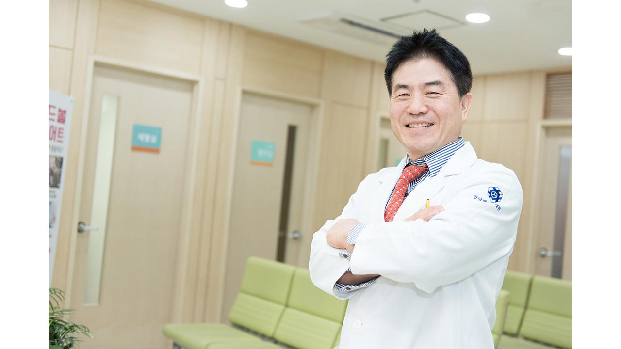 """[헬스플러스라이프] """"허리·목 디스크, 수술 필요한 환자는?"""" 윤강준 강남베드로병원장"""