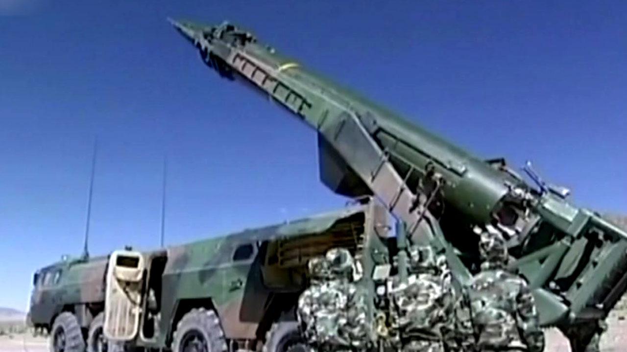 中, 한반도 겨냥 미사일 1,000여 기 감춘 채 '사드 보복'