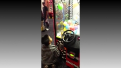 [영상] 다 잡은 공 놓친 아이...'이건 꿈일 거야'
