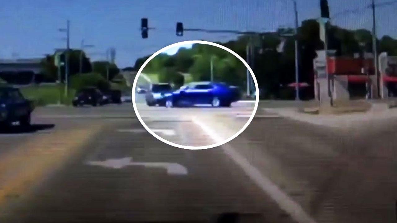 [영상] '운전자의 발작'...역주행 차로 뛰어든 남성
