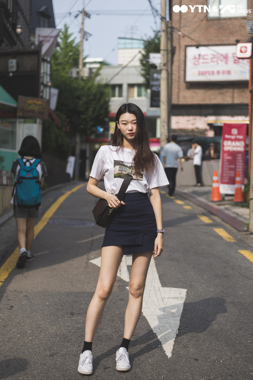 모델 배윤영, 섹시 캐주얼 룩으로 '우월한 비율' 뽐내!