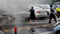 """""""더 큰 폭발을 막기 위해""""···용감한 주민들의 화재진압"""