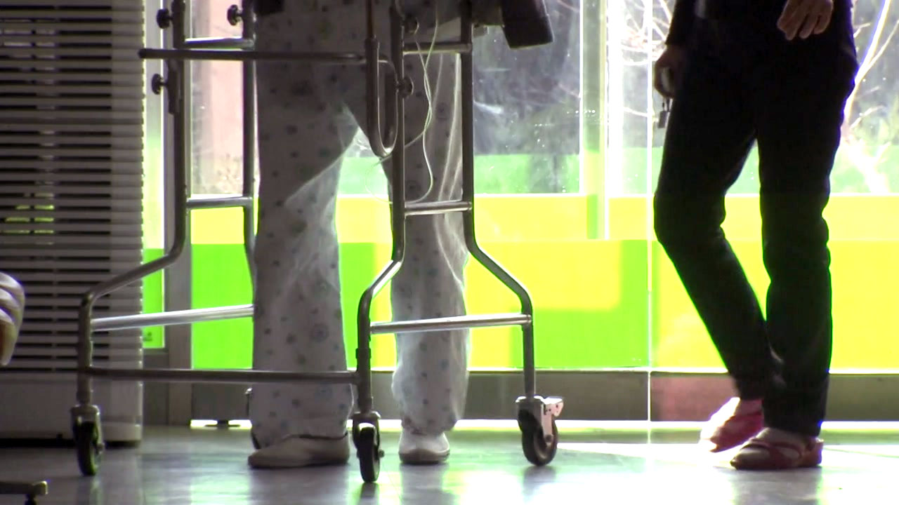[취재N팩트] 전국 252곳에 치매관리센터...가족 부담 덜어준다