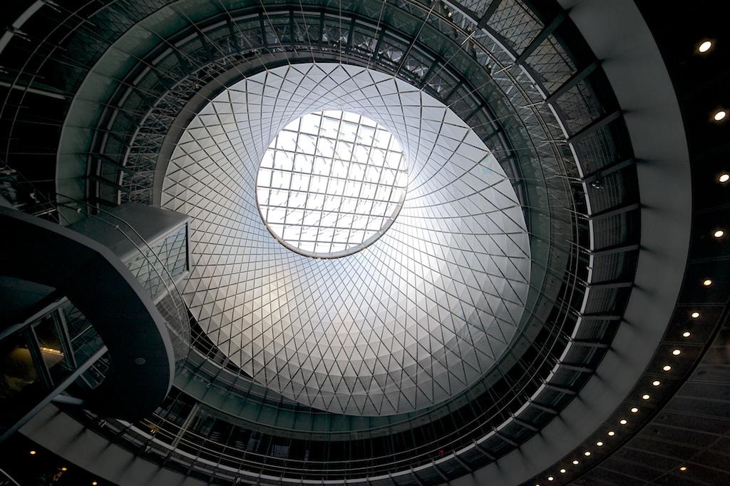 〔안정원의 건축 칼럼〕 건축가와 예술가의 절묘한 컬래버레이션을 통한 지하 교통 허브 공간1