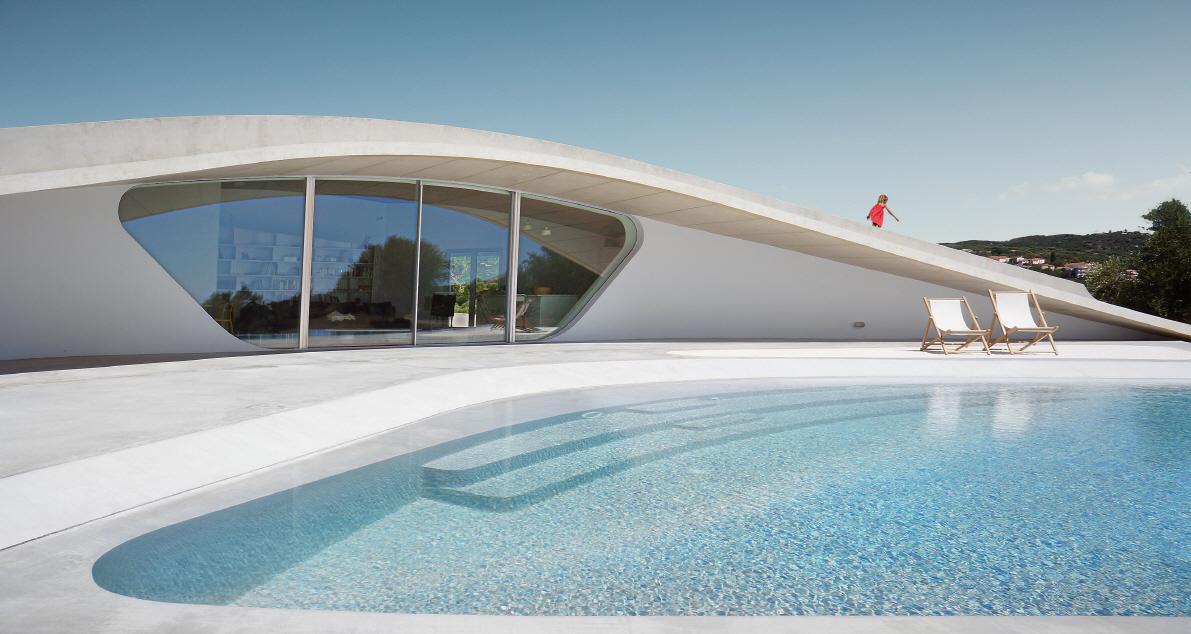 〔안정원의 디자인 칼럼〕 태양의 움직임에 따라 빛과 그늘을 자연스럽게 만들어내는 집 1