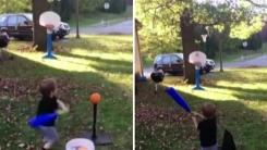 [영상] 두 살배기의 특별한 농구 실력