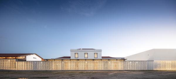 〔안정원의 디자인 칼럼〕포르투갈 모라의 오래된 기차역이 거석 박물관으로 변신한 이색 공간1