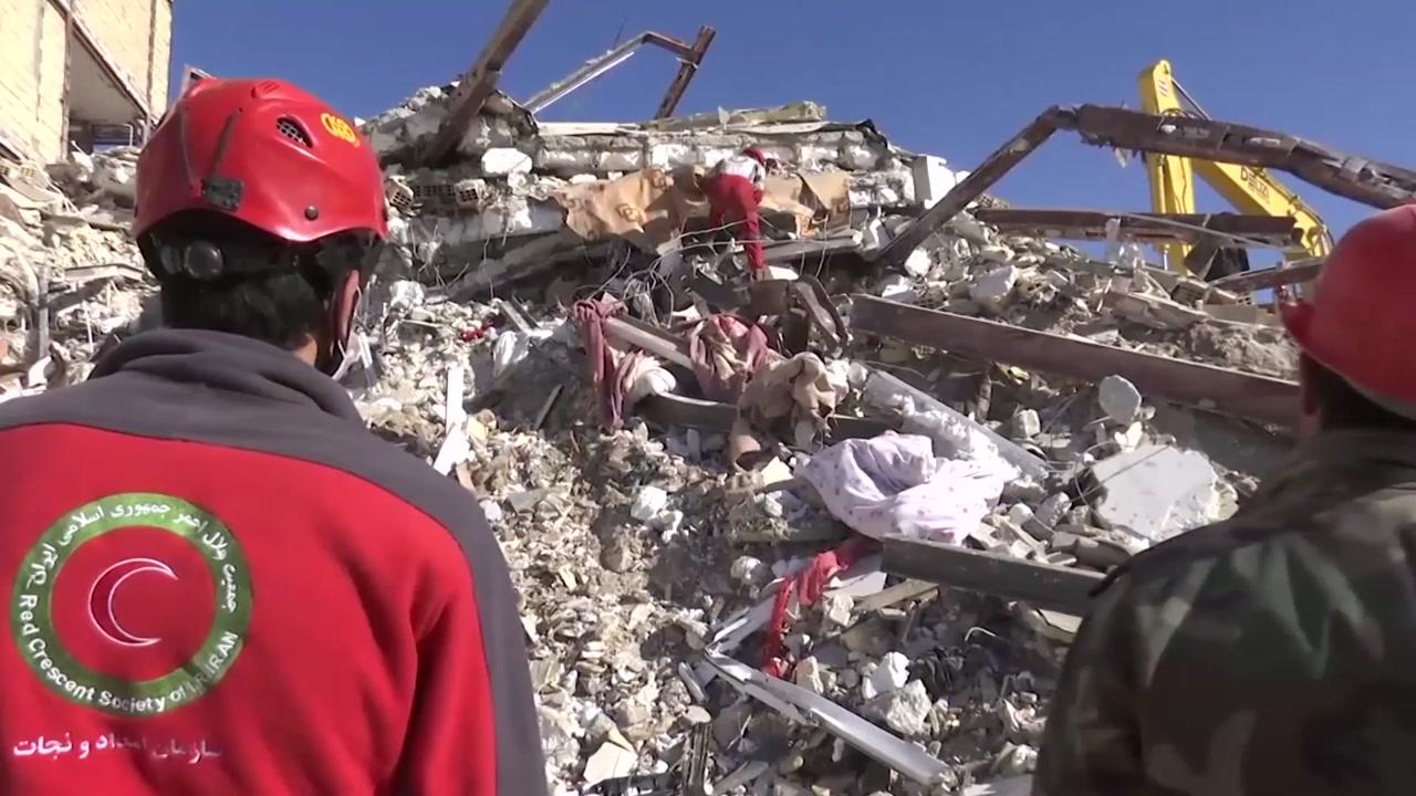 """이란·이라크 지진 사망자 540명...""""부실 국민주택이 피해 키워"""""""