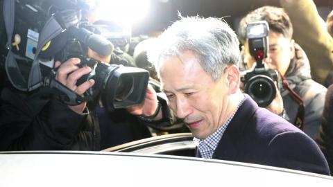 '軍 댓글공작' 김관진, 11일 만에 석방