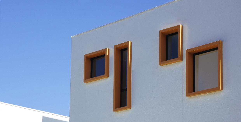 〔안정원의 디자인 읽기〕 컬러풀한 창의 조합과 보이드 공간의 특별함을 제공하는 큐브하우스1