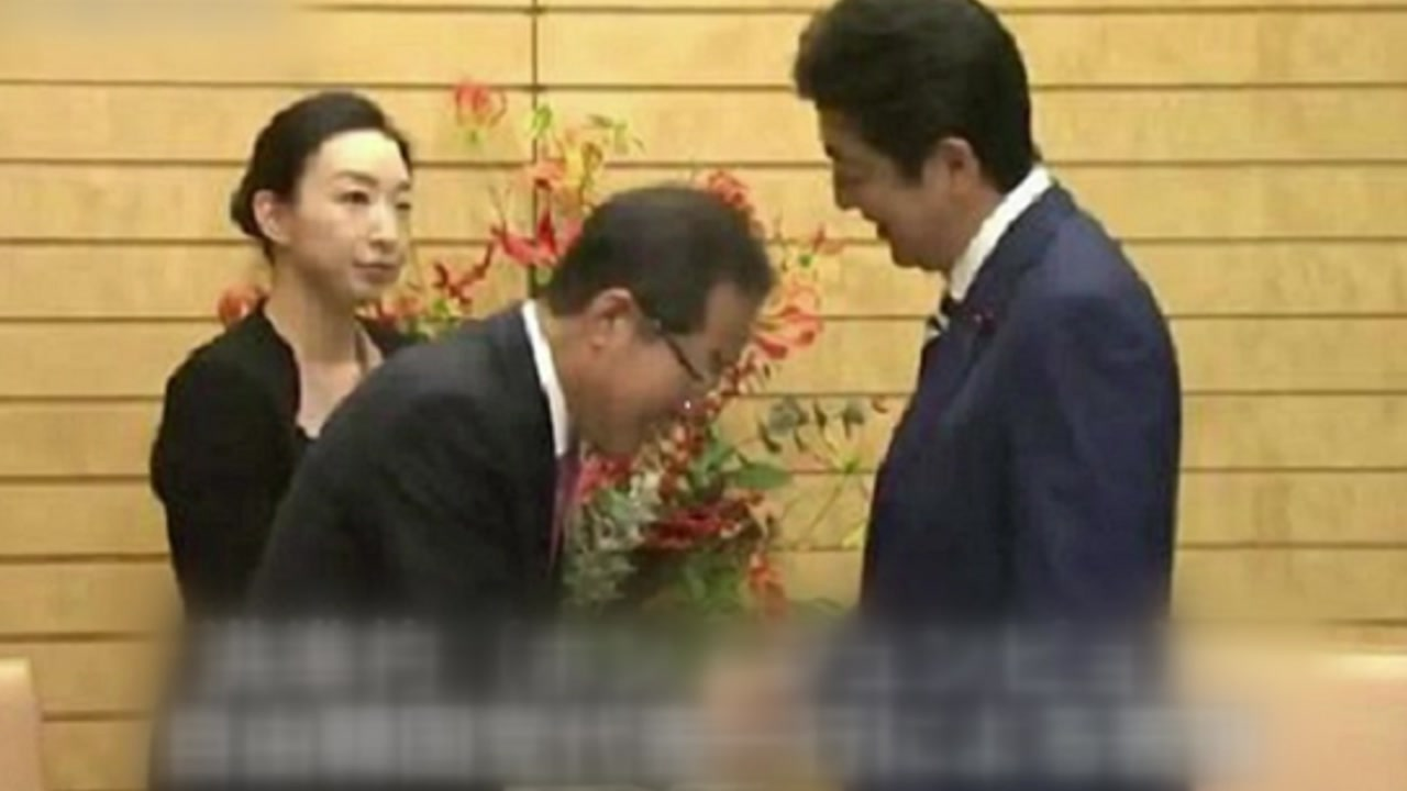 """아베에 머리 조아린 홍준표?...""""악마의 편집, 물타기"""""""