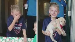 크리스마스 선물로 강아지 받은 소년이 눈물 흘린 이유