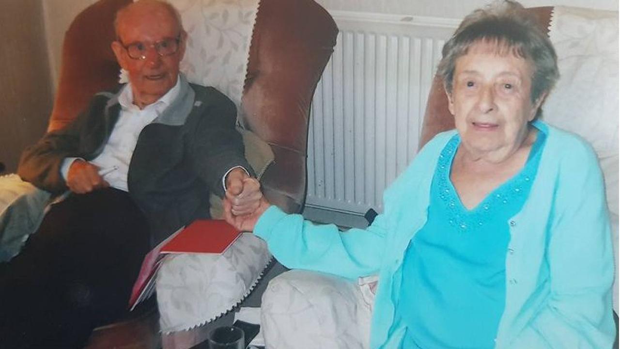 67년간 행복한 결혼 생활한 노부부, 2시간 차이로 세상 떠나...