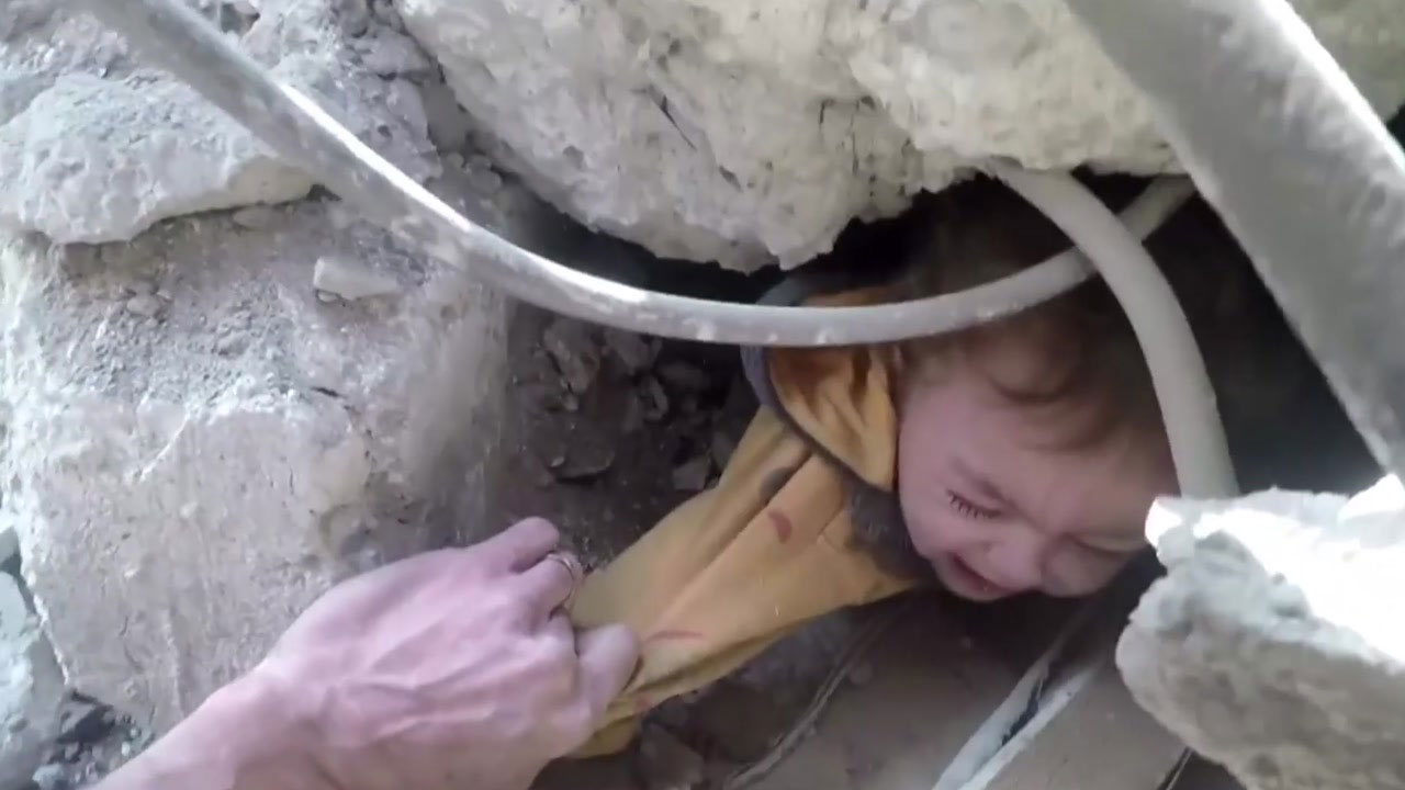 누가 이 어린 생명들을...새해들어 더 심해진 시리아 참상